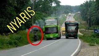 Video BERANI MUDIK Naik Bus ini?? BUS Paling UGAL UGALAN di Indonesia MP3, 3GP, MP4, WEBM, AVI, FLV Mei 2019