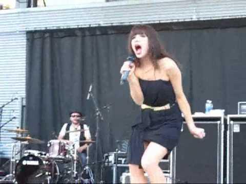 Curiosity - Carly Rae Jepsen LIVE @ Missisauga Celebration Square