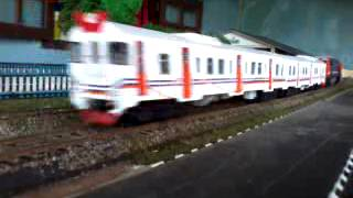 #miniatur kereta api indonesia Lokomotif CC206 vs KRD slendang pecut