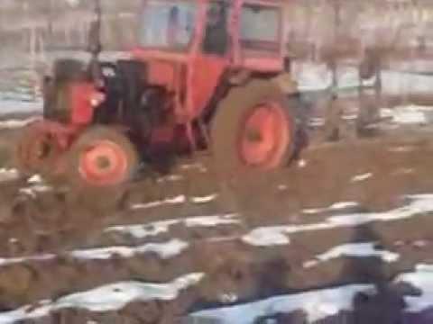 tractor U650 la arat cu plug lemken