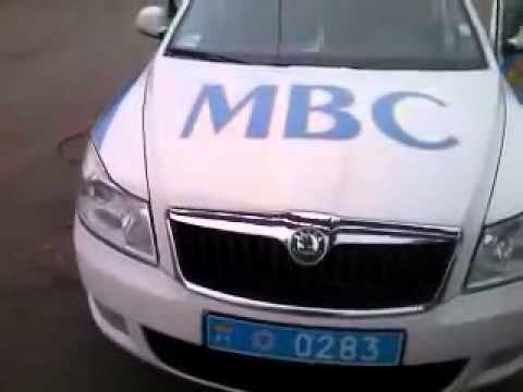 Быдло-КОБРА запугивает пешеходов. Киев (15.11.11)