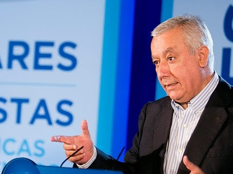 Javier Arenas inaugura el Foro Populares vs extremistas