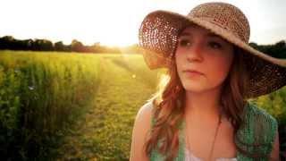The Wonderment: Lennon and Maisy Stella Sing