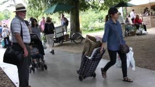 #472 Hampton Court Flower Show 2011 - Pflanzenabtransport