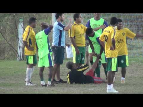 Potiraguá na Net - Arbitro Sente  Câimbras em pleno Jogo. ( Potiraguá - Bahia )
