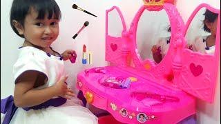 Video Mainan Meja Rias Anak 💖 Disney Princess Kids Make Up 💖 Let's Play Jessica Jenica MP3, 3GP, MP4, WEBM, AVI, FLV September 2018