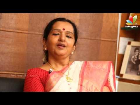 Video Vijay's Mom Shoba Wishes Ajith Happy Birthday download in MP3, 3GP, MP4, WEBM, AVI, FLV January 2017