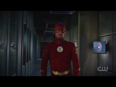 Arrow [7x9] Oliver and Barry talk about Batman