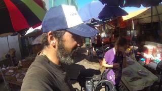 Recorrer en bici y con una amiga el mercado de pescado más Famoso del mundo
