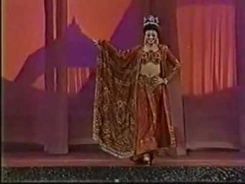 Aishwarya rai final walk on the stage of miss world 1995