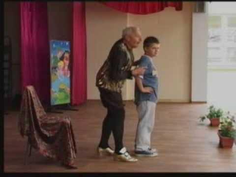 """Predstava """"U svetu bajki"""" za učenike škole """"Ratko Mitrović"""""""