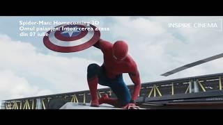 Încântat de experiența alături de Avengers / Răzbunătorii, Peter Parker revine acasă și încearcă să-și urmeze rutina zilnică. Însă, deși viața de licean și cea de acasă, alături de mătușa May (Marisa Tomei), pare cea a unui adolescent obișnuit, cu ajutorul mentorului său, Tony Stark (Robert Downey, Jr.), Peter descoperă ce puteri atipice are și cum le poate folosi. Dar oare se poate pune cu noul ticălos, Vulturul (Michael Keaton)? Producția este regizată de Jon Watts, după un scenariu bazat pe Marvel Comic Book a lui Stan Lee și Steve Ditko.