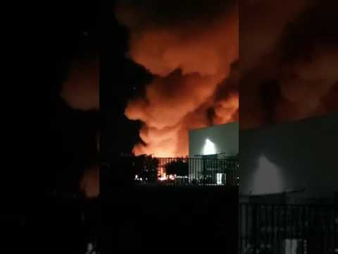 Teramo, incendio alla Richetti (ex Foodinvest) VIDEO/FOTO