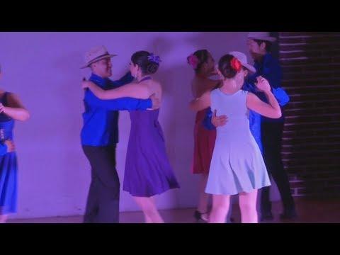 Taller de danzón en el Centro Recreativo Xalapeño