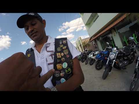 Recebendo o troféu do presidente  do jacarés moto clube  em bodoco
