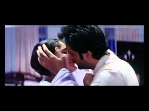 kareena kapoor all kissing scenes