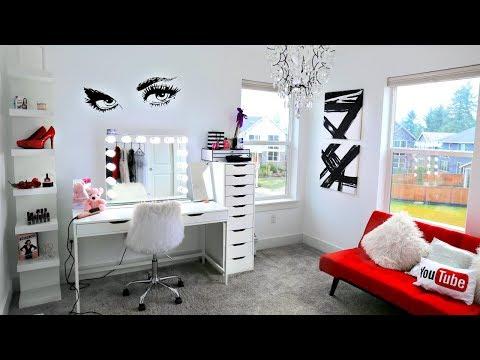 Decorating New Glam Room Decor + Organization!