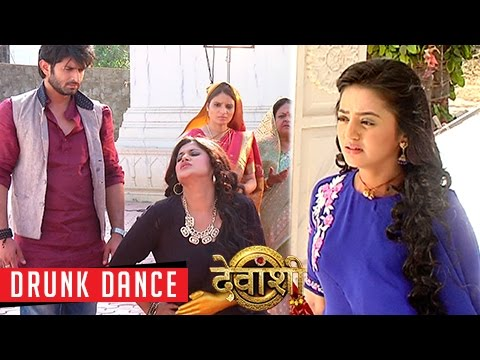 Kusum Sundari's DRUNK Dance EXPOSED | Devanshi
