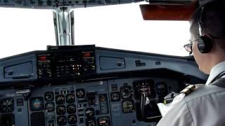 Video Landing in Bali ATR72-500 MP3, 3GP, MP4, WEBM, AVI, FLV Juni 2018