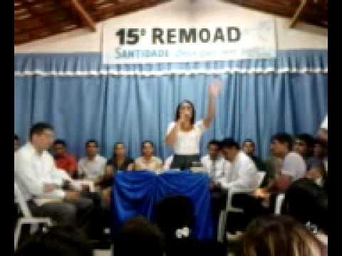 Cantora Raquel Marques Louvando no 15° REMOAD em Baturité