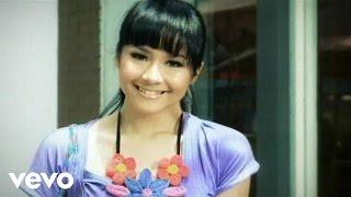 <b>Gita Gutawa</b>  Aku Cinta Dia