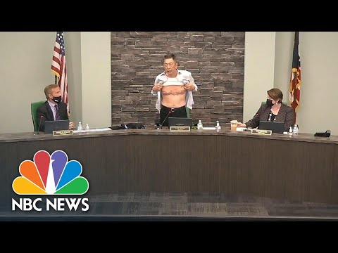 'Is This Patriot Enough?': Asian American Official Shows Military Scars, Condemns Racist Viole… видео