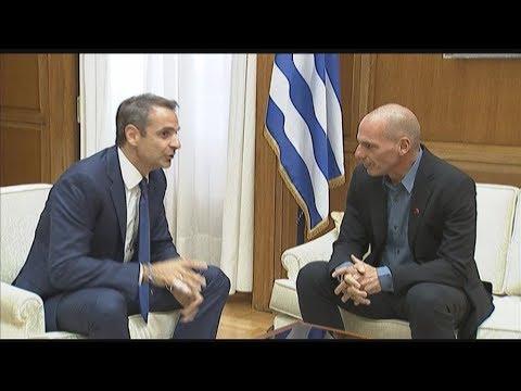 Συνάντηση του πρωθυπουργού Κυριάκου Μητσοτάκη με το γραμματέα του κόμματος ΜέΡΑ25 Γιάνη Βαρουφάκη