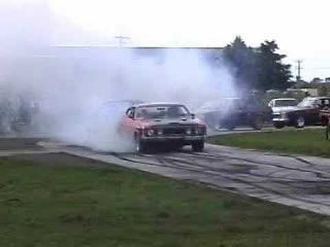 Burnout goes bad when clutch can't handle V8