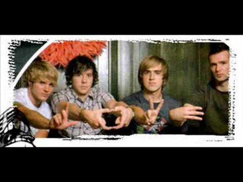 Tekst piosenki McFly - Down goes another one po polsku
