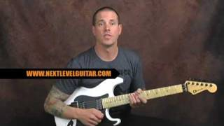 Download Lagu Lead guitar soloing lesson flashy Pentatonic licks get out of the box for blues rock metal Mp3