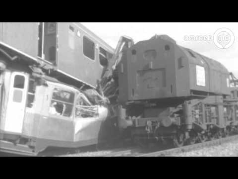 Herdenking en kranslegging treinramp Westervoort 50 jaar geleden