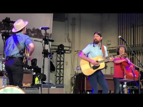"""The Avett Brothers - """"Laundry Room"""" - Homdel NJ. 7.13.18 (видео)"""