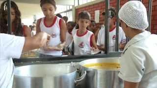 VÍDEO: Programa ajuda 1,3 milhão de estudantes a adotarem hábitos alimentares saudáveis