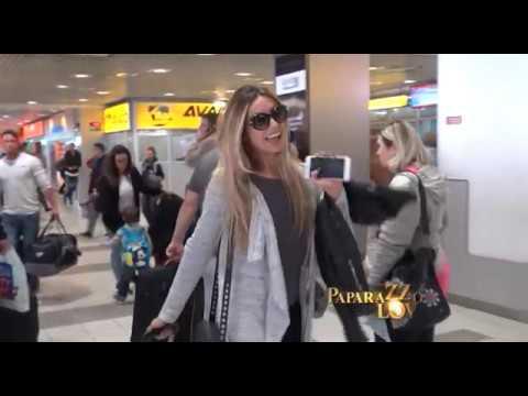 Pevači bez šminke nedeljom na aerodromu