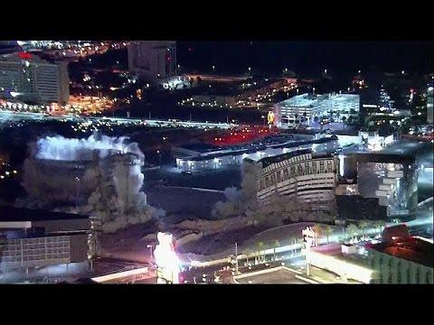 ΗΠΑ: Εντυπωσιακή κατεδάφιση κτιρίων του ξενοδοχείου «Ριβιέρα» στο Λας Βέγκας