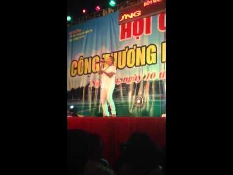 Anh Sẽ Không Đổi Thay - Tuấn Hưng hát tại hội chợ vinh 18/08/2015