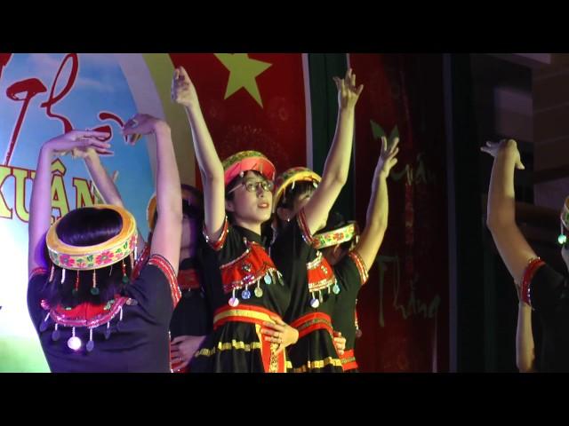 Múa Hương xuân Tây Bắc Tập thể GV trường PTTH Đa Kia