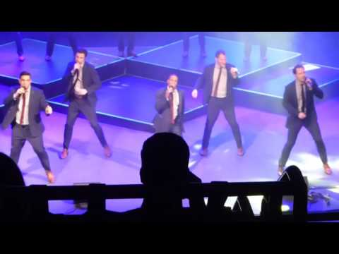 Straight No Chaser - Sitting on the Dock of the Bay/Proud Mary, Sitcom Medley, 12/11/16 Cleveland