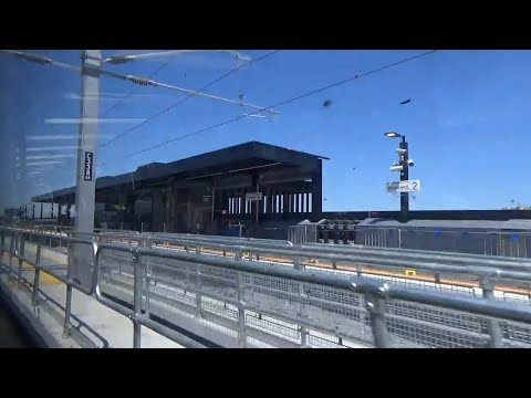 A trip on the Upfield Line's Skyrail (Melbourne Railway Vlog 138)