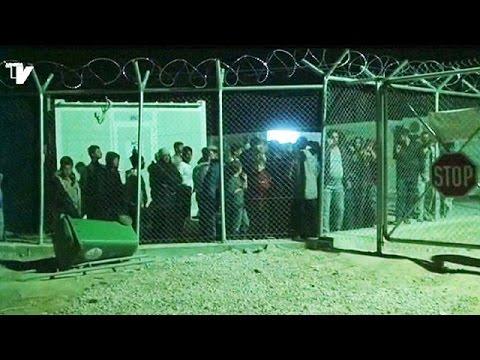 Έφυγαν από το hot spot της Χίου εκατοντάδες μετανάστες με προορισμό το λιμάνι του νησιού