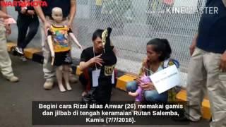 Video (Napi Kabur) Begini Cara Anwar Pakai Gamis dan Lipstik di Tengah Orang Banyak MP3, 3GP, MP4, WEBM, AVI, FLV April 2019