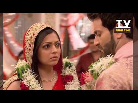Video Dadi Aur Naina Karenge Reyhan ka Parda Faash | Pardes Mein Hai Mera Dil | टीवी प्राइम टाइम हिन्दी download in MP3, 3GP, MP4, WEBM, AVI, FLV January 2017
