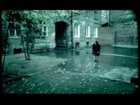 Tekst piosenki Szymon Wydra - Bezczas po polsku