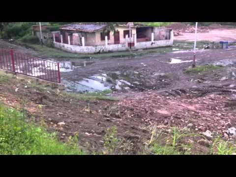 Lago Los Tacariguas - Peligro con la crecida del lago de Valencia y el gobierno pretende subir el muro de contención.