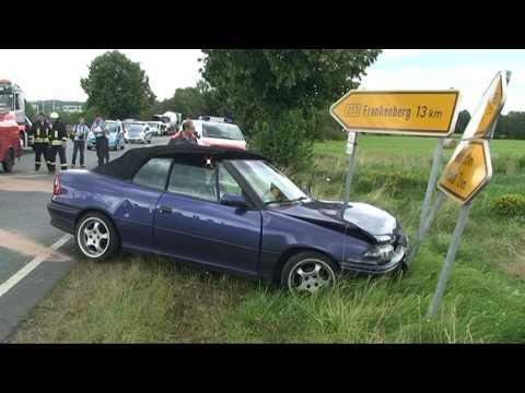 Battenfeld: Familie bei Unfall schwer verletzt