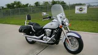 2. 2013 Kawasaki Vulcan 900 Classic LT in Candy Mystic Blue / Pearl Crystal White Two Tone