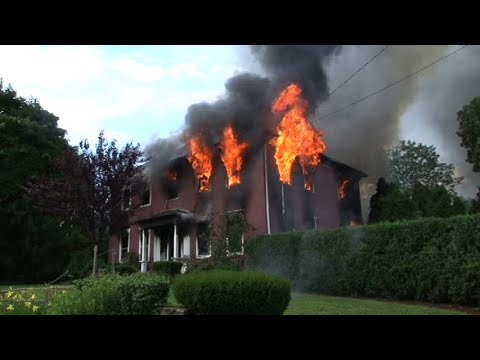 *WATCH* Homeowner arrested for setting his home on fire in Uxbridge, MA (2013)