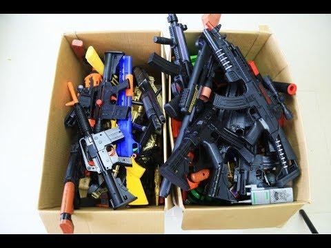 Video Box of Toys ! GUNS BOX Toys Military & Police equipment | Gun toy (22) download in MP3, 3GP, MP4, WEBM, AVI, FLV January 2017