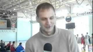 Накуренный тренер сборной УрФУ по баскетболу