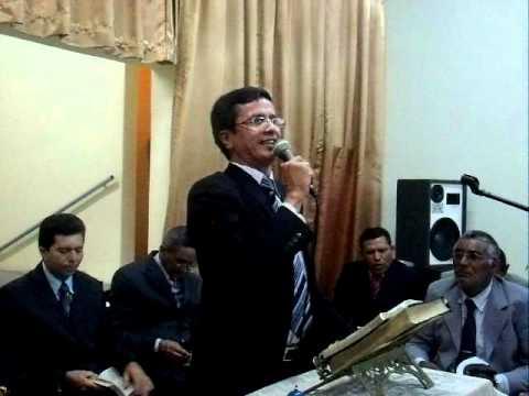 Pr. Paulo, da AD em Patos pregando em Santana de Mangueira